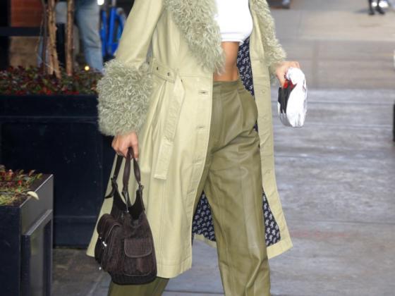 Bella Hadid Strolling In New York - Nike X Off-White 10 Air Presto Sneakers